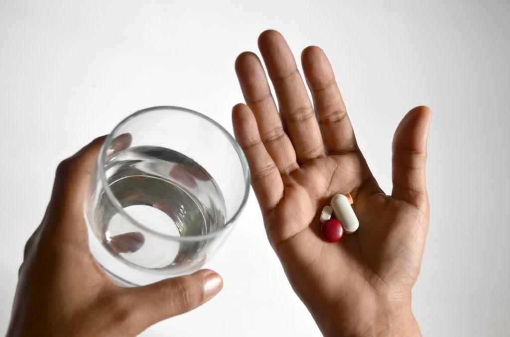 ペニス増大サプリに副作用はある?正しい使い方を守ることの重要性